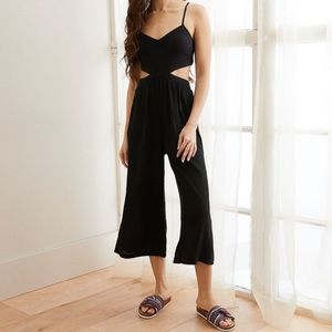 NWT AE Black Cutout Cropped Jumpsuit 🖤 | XS